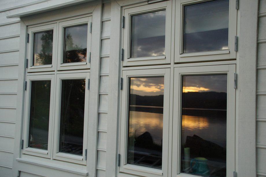 Pour le chassis des fenêtres, le bois est une valeur sûre